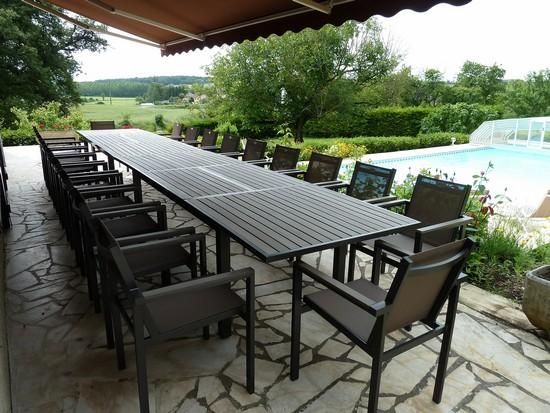 villa avec piscine pour 6 personnes. Black Bedroom Furniture Sets. Home Design Ideas