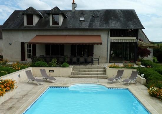 Domaine de charme avec piscine pour 20 personnes - Piscine tubulaire avec terrasse lyon ...